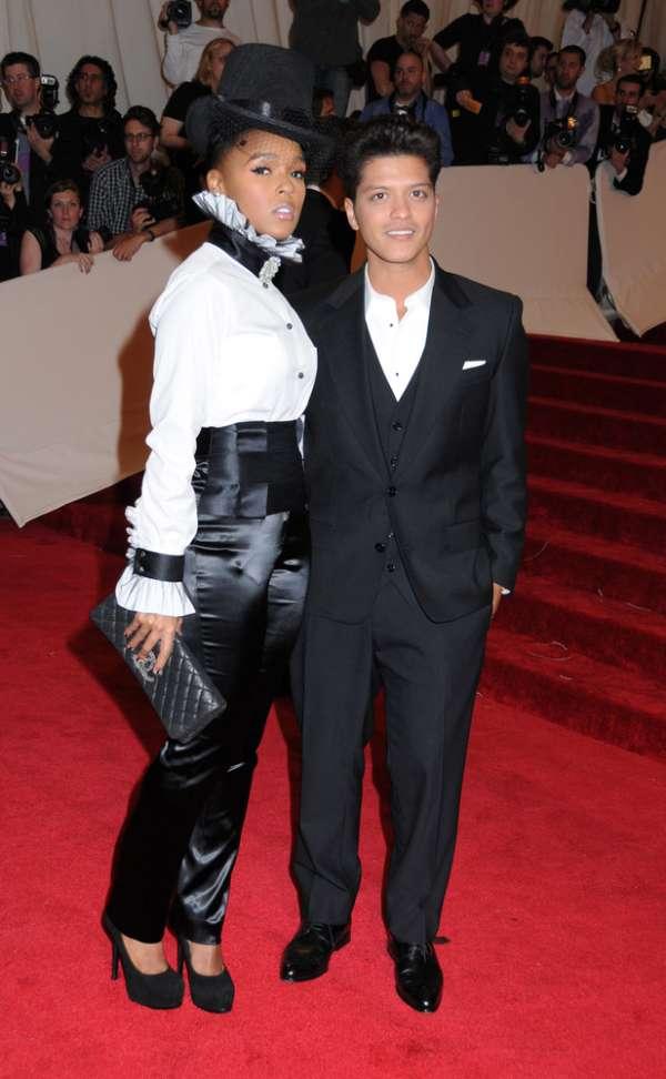 Bruno Mars and girlfriend